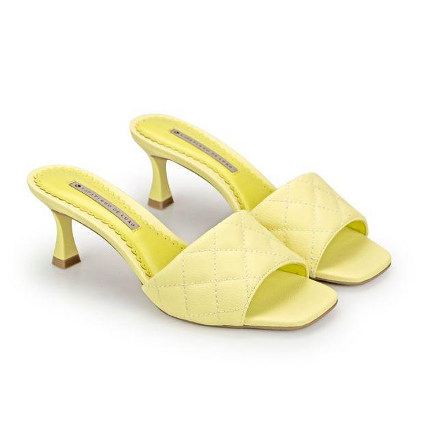 Tamanco-Napa-Pele-Yellow